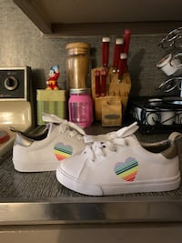 Brand new kids Gymboree sneakers size 9 North York, 17404
