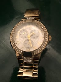 Guess gold watch with Swarovski crystals  Montréal, H3S 2N6