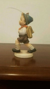 brown and white ceramic figurine Woodbridge, 22192