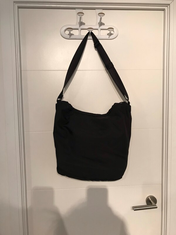 Lulu lemon multi pocket bag