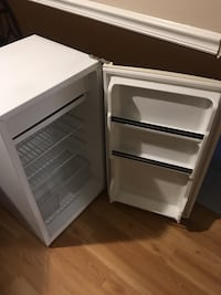 Mini fridge and freezer Woodbridge, 22192