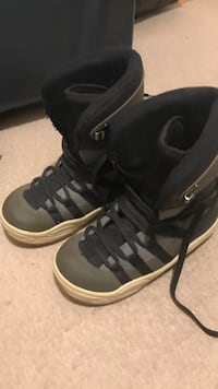 Size 8 snowboarding boots 537 km