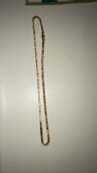 Gold-colored chained necklace Sandusky, 44870