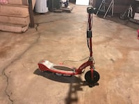 RAZOR ELECTRIC SCOOTER, RUNS BUT NEEDS A CHAIN, CHARGER INCLUDED, $10 Quakertown, 18951