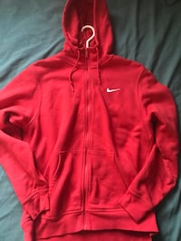 Red NIKE sweater  Brampton, L6T