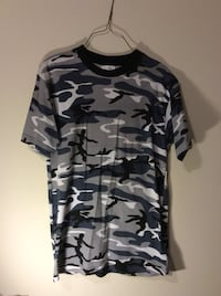 black and gray camouflage crew-neck t-shirt Richmond Hill, L4S