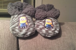 Minion baby slippers