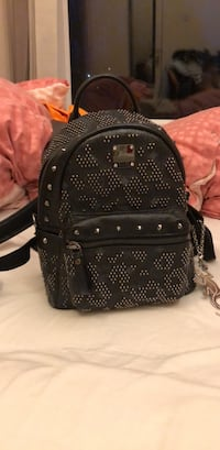 black and gray studded backpack 史特灵, FK8 1UF