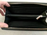 Black & gold zippered wallet Maple Ridge, V2X 0T8