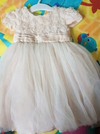 Baby dress, size 6-12 months.  Holmestrand, 3080