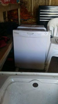 white top load washing machine Ashburn, 20149