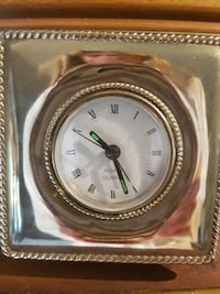 Analog silver plated clock Laval, H7M 4M8