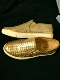 Steve madden gold loafers Chicago, 60607