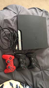 Sony PS3 slim console with two controllers Upper Marlboro, 20774