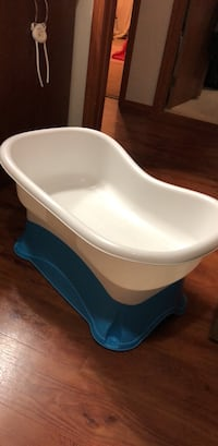 Baby bath tub  Winnipeg, R2J 3R5