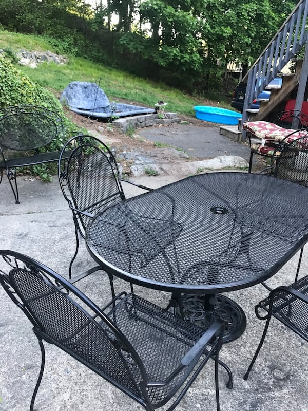 Wrought iron patio set with matching bench and cast iron stand 1c38c23f-d65b-4b6a-8dd7-41402f0dacc8