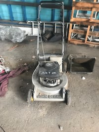 John deer push mower Masury