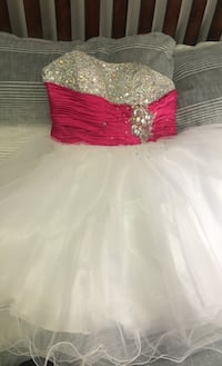 Pink and white prom dress size small Toronto, M9N 3Y7