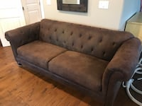Great Condition Tufted Couch Abbotsford, V3G 1S4