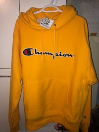 Champion - Reverse Weave Hoodie - Gold - Large (fits like an XL) Toronto, M9A 5G4