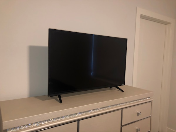 Tv for sell! f81d7bef-21c9-4eb2-b826-8f986bfe5568