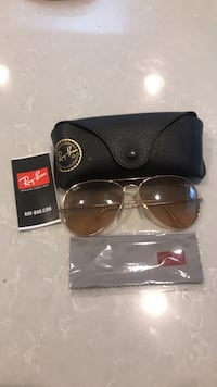 gold framed Ray-Ban aviator sunglasses with case Arlington Heights