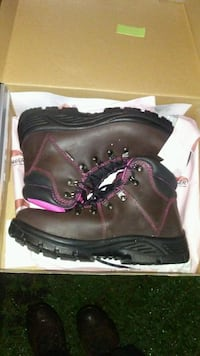 Women's Avenger steel toed work boots New Size 9.5 Morristown, 37814