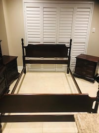 Full double complete bedroom set. Solid wood. Delivery available Brampton