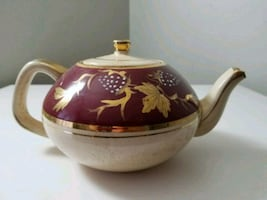 Vintage Gold Trim Teapot made in England