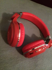red and black corded headphones Hagerstown, 21740