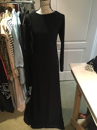 Ladies maxi black dress with zipper size medium Oakville, L6H 1Y4