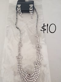 Necklace and Earring Set. New