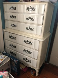 white shabby chic solid wood six drawer dresser, $ 100 or best offer East Brunswick, 08816