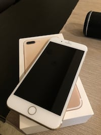 Gold iphone 7 plus with box Toronto, M2M 3W8