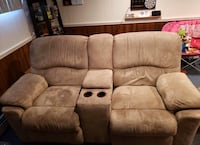 2 seater reclining love seat . Must be able to pick up  Concord, 03301
