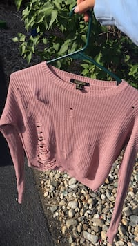 Pink scoop-neck sweater Kelowna, V1W 4N8