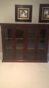 Rustic 'crate and barrel' display/ china cabinet v good condition