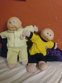 Twin Cabbage patch dolls