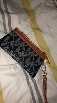 monogrammed black Michael Kors wristlet Cambridge, N1T 2J5