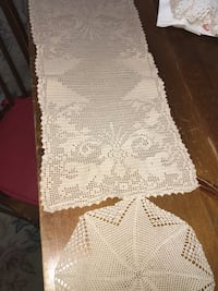Antique tan colored table scarf & matching doily  Winfield, 60190
