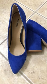 pair of blue suede pointed-toe heeled shoes Gaithersburg, 20879
