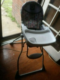 baby's white and black high chair Memphis, 38125