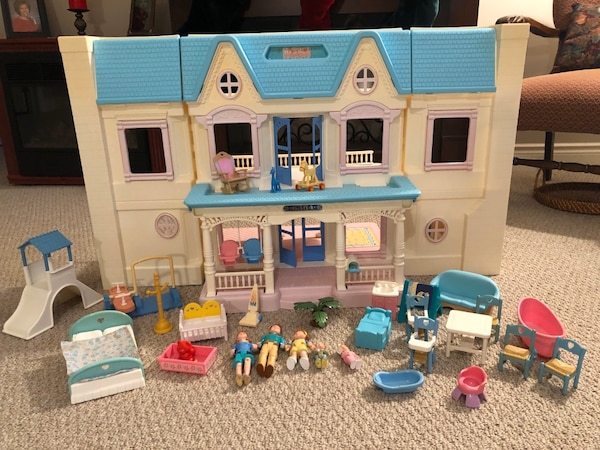 Vintage fisher price loving family house and accessories  af7df5f7-543c-4fe7-8a1c-d1eb3ab858d0