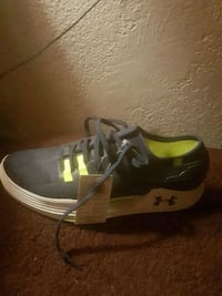 Under armour running shoes size8