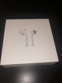 AirPods with wireless charging case second gen Toronto, M5R 1S7