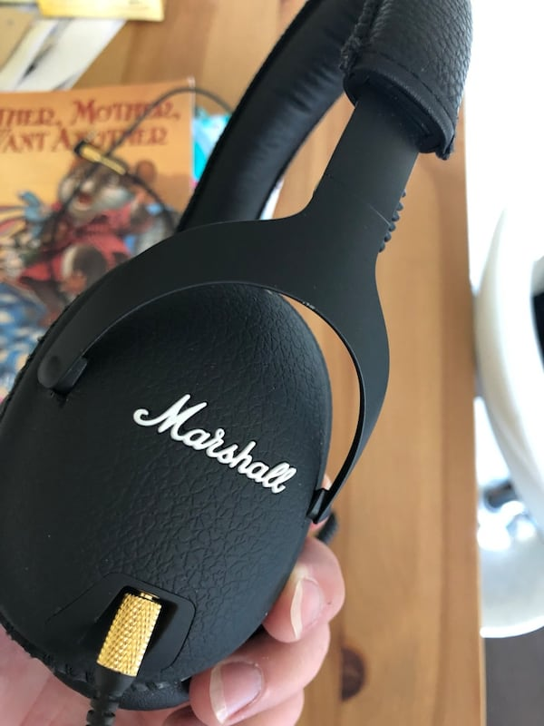 Marshall headphone (Accept exchange) a447e592-2711-4bdb-ac10-458a998b88a6