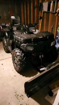 black and gray standard motorcycle Dearborn Heights, 48125