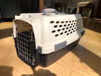 2 pet carriers $20 each