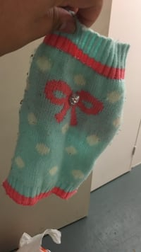 teal and white polka dot mitten