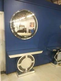 blue and white wooden vanity table Tampa, 33614